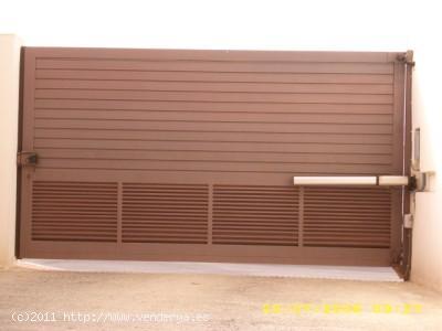 Alquilo Plaza de Parking  en Carboneras   C / Horma  nº5